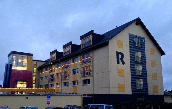 Oberhof, Niemcy: Hotel mit weihnachtlicher Lichterkette