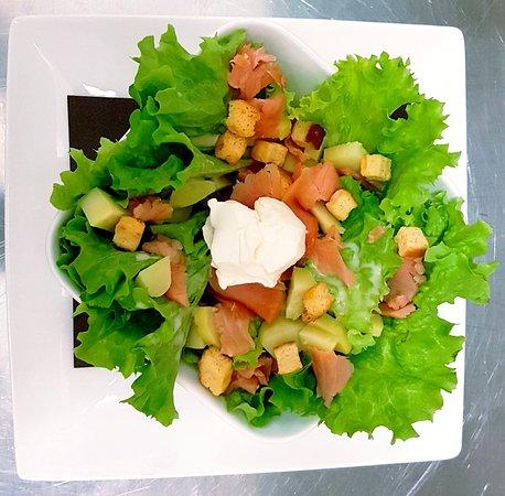 Le Goeland: Salade aux saumon