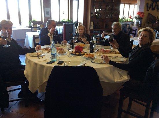 Pellegrino Parmense, Italy: Evvai con gli antipasti!