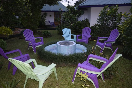Isla Verde Hotel: The grounds of this hotel are lovely.