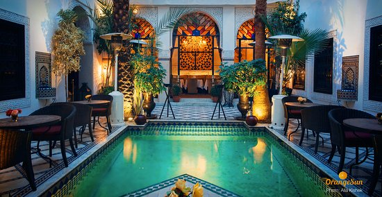 Le Riad Monceau: Центральное патио с рестораном.