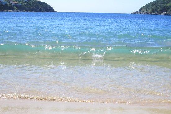 Tomando sol... - Picture of Ferradura Beach bb2d342ed5e