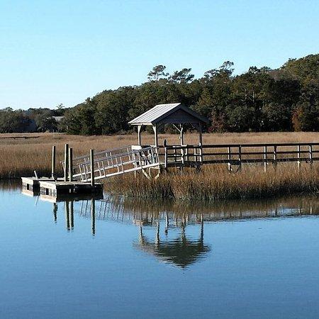 Oceanfront Litchfield Inn: Walking distance from hotel