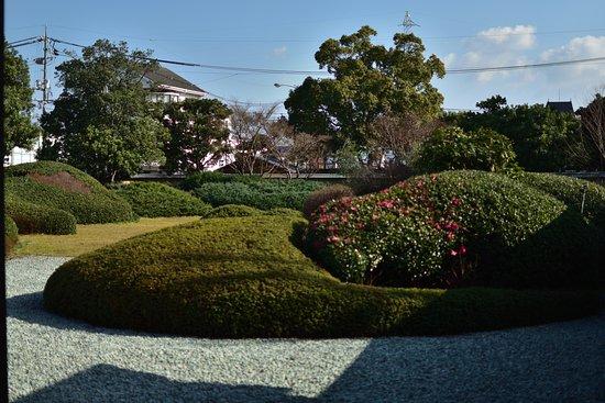 Hirayama Ikuo Museum of Art: 良く手入れされた庭園