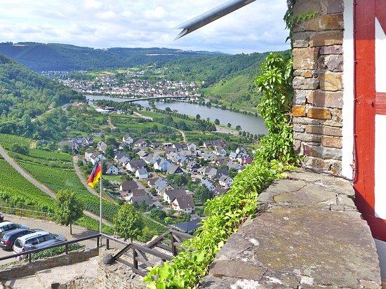 Alken, Germania: Einer der Blicke über das Moseltal