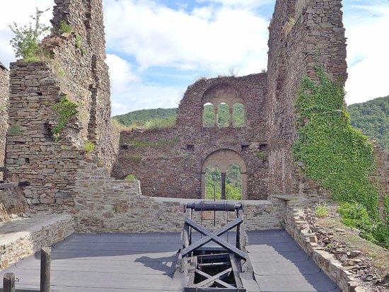Alken, เยอรมนี: Auch hier war mal ein Teil der Burg ...