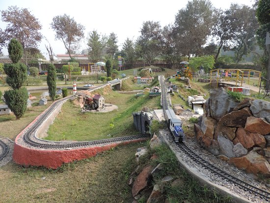 NeverEnuf Garden Railway Picture of NeverEnuf Garden Railway