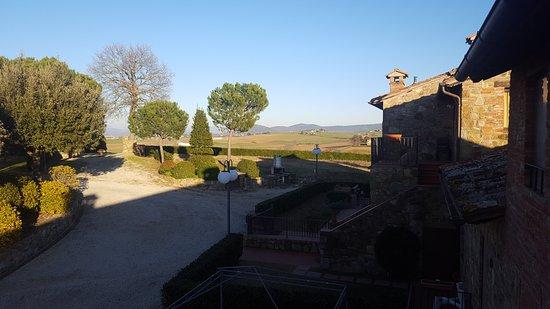 Paciano, Italy: Luogo incantevole