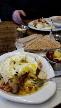 Cuyahoga Falls, OH: skillet meal