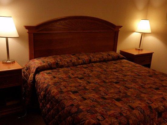 Mableton, GA: Bed