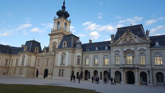 Keszthely, Ungheria: A kastély már az udvar felől.