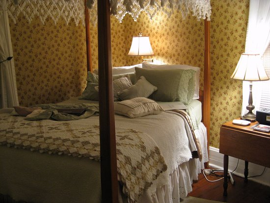 The Dry Ridge Inn Photo