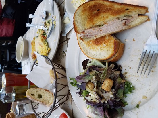 Brewster's Italian Cafe: Great food as usual