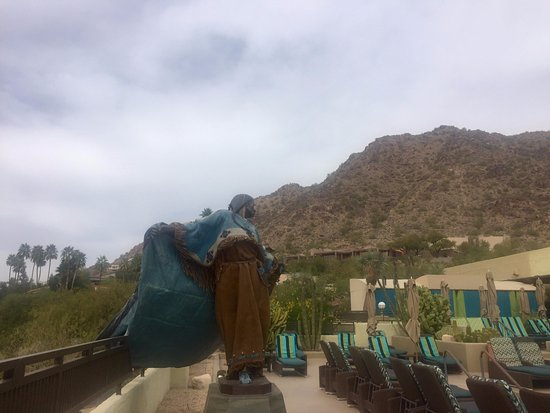 Spa at Camelback Inn : View of the Mountain from lounge chair
