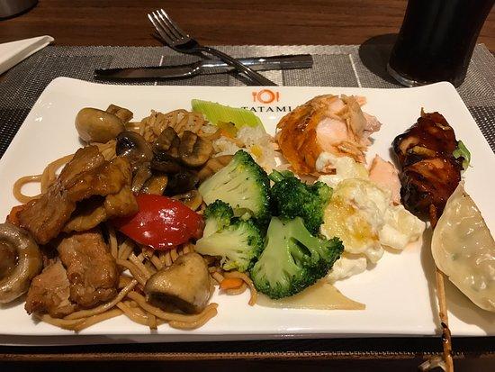 Marineret Kylling Med Stegte Grøntsager Billede Af Tatami Japansk