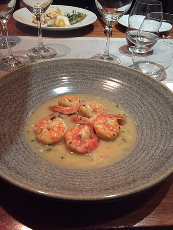 Bocca: Very good service and food! I loved the prawn starter. Not the cheapest place in Tallinna, but w