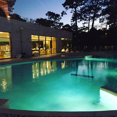 a la tomb e de la bassin ext rieur avec vue sur la bassin d 39 interieur photo de thalazur. Black Bedroom Furniture Sets. Home Design Ideas