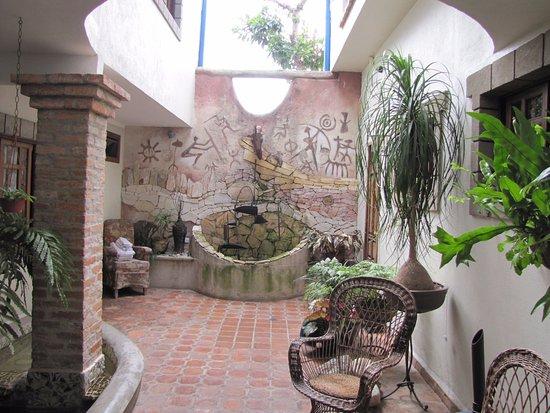 Posada Casa Sol: jardín interior