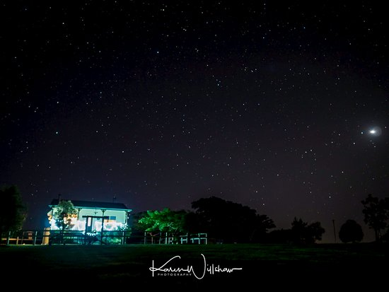 Boonah, Australië: Night view of Rose Cottage
