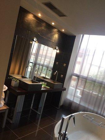 hotel les bains douches toulouse france voir les tarifs 61 avis et 27 photos. Black Bedroom Furniture Sets. Home Design Ideas