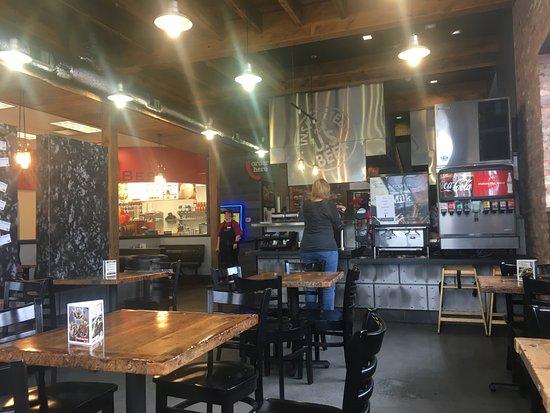 Skokie, IL: Dining area