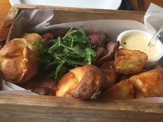 Lauder, UK: Fabulous New Year's Day roast at Firebrick!!