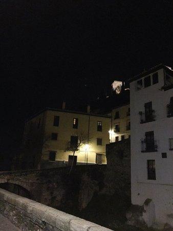 Hotel Zaguan del Darro : Vista de la Alhambra desde la entrada del hotel