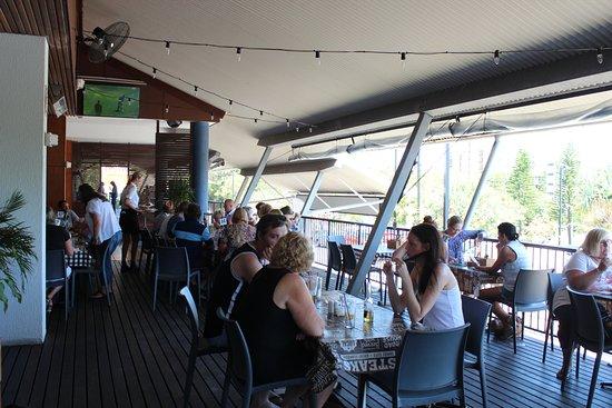 Kings Beach Tavern: Dining on the deck