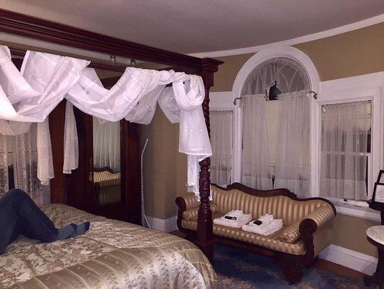 Edgewood Manor : photo2.jpg