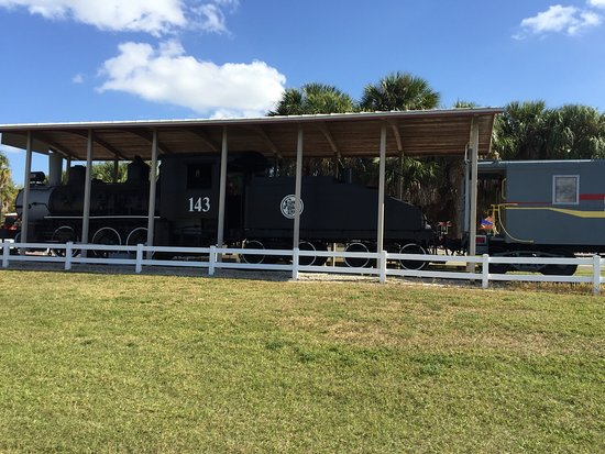 Railroad Museum of South Florida: Atlanta Coast Line #143 locomotive