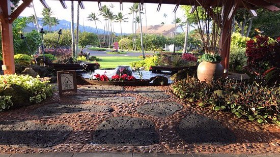 Kauai Coast Resort at the Beachboy: resort entrance