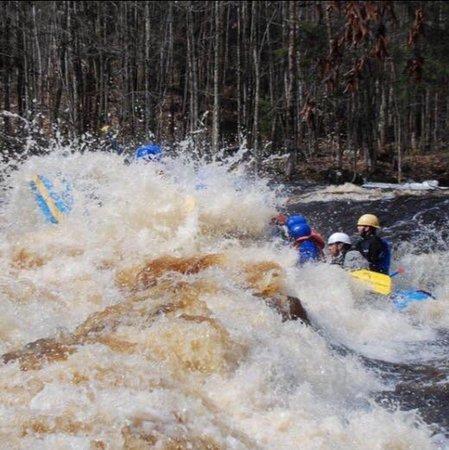Athelstane, WI: Huge Spring time water!