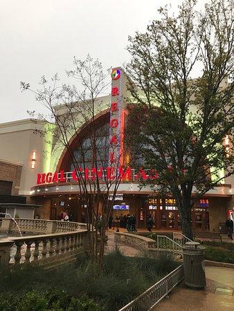 Regal Avalon 12 >> Regal Cinemas Avalon Stadium 12 Alpharetta 2019 All You Need To