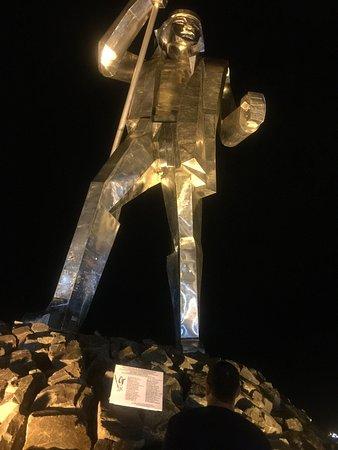Monumento Andres Guazurari: photo1.jpg