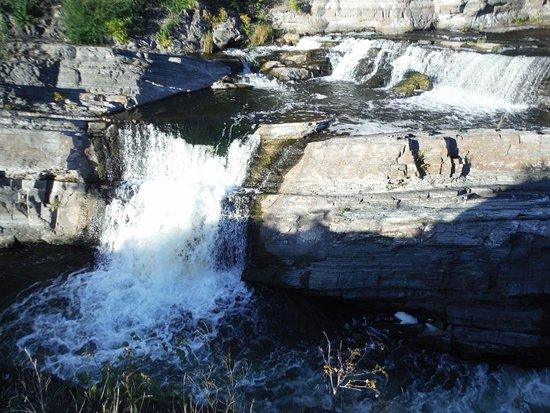 Hog's Back Falls: STUNNING WATERFALL