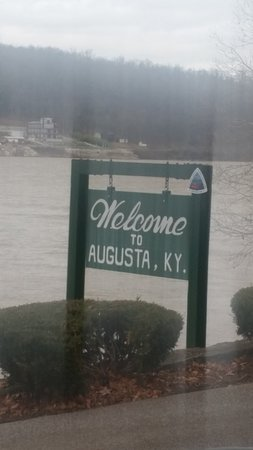 Welcome to Augusta ,KY near the Rosemary Clooney house