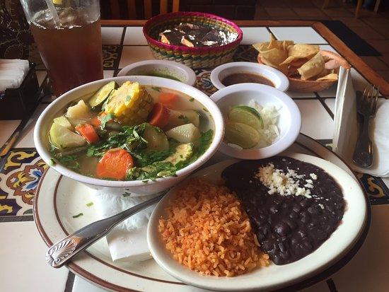 La Cabanita: Caldo De Pollo Lunch Special