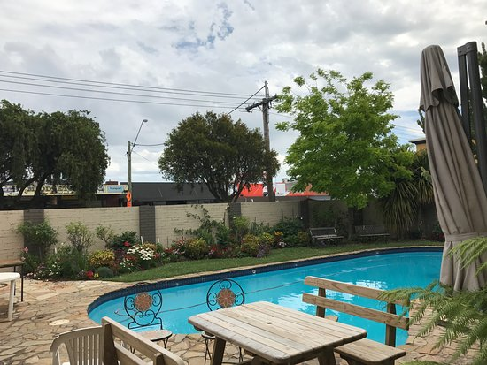 Colac mid city motor inn updated 2017 prices hotel for Motor city hotel prices