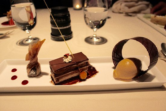 Five Sails Restaurant: Opera slice, Baileys creme anglais, hazelnut and a bag of molten chocolate