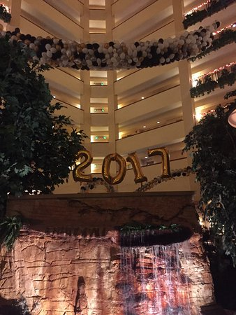 Embassy Suites by Hilton Hot Springs : Awesome New Year's Eve celebration!