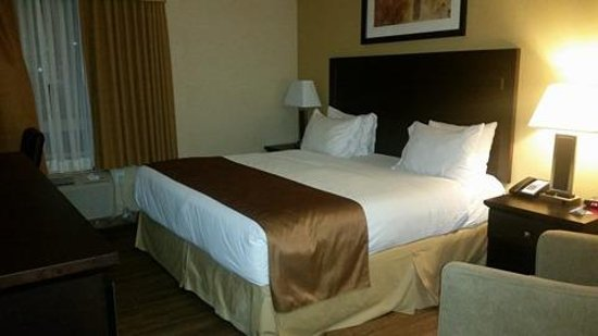Days Inn & Suites Winnipeg Airport, Manitoba Photo