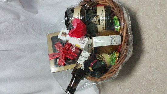 Eagle Heights, Australië: Make your own basket with these goodies