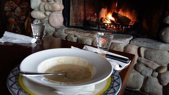 Oystercatcher Seafood Bar & Grill: Clam chowder