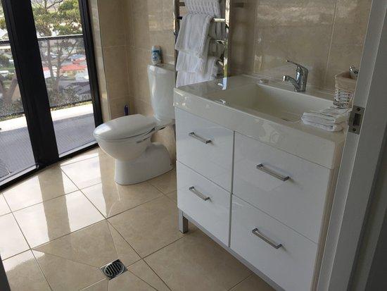 Smithton, Australia: Bathroom at Shear Pleasure
