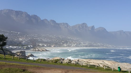 Кэмпс-Бэй, Южная Африка: View of the beach