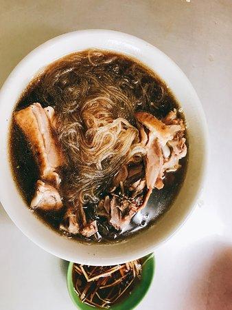 Shengang, Changhua: 鴨肉麵線好吃、湯頭超棒 鴨肉很入味,而且鴨肉很嫩!