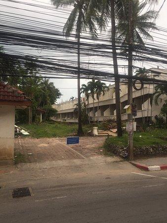 Chaweng Beachcomber: Отель немножко закрыт