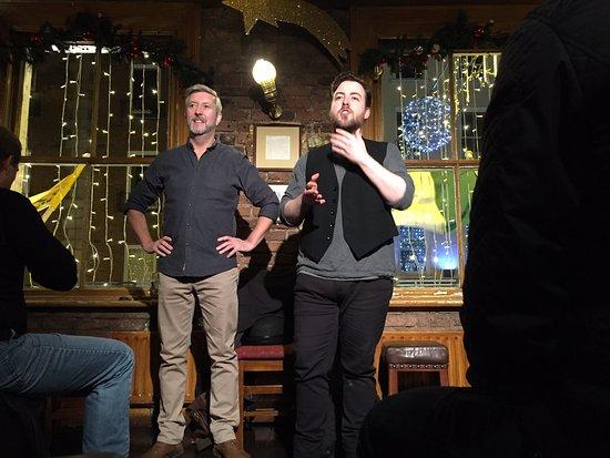 Dublin Literary Pub Crawl : Frank and Finn do their thing