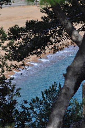 Platja Gran: View from the Castillo to the beach