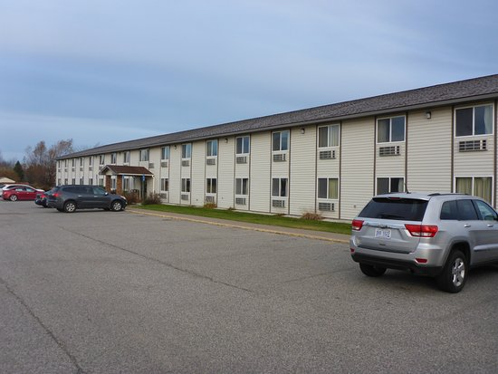 Americas Best Value Inn: Ground Floor is Better when quiet !